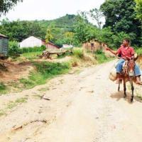 camino vecinal en mal estado