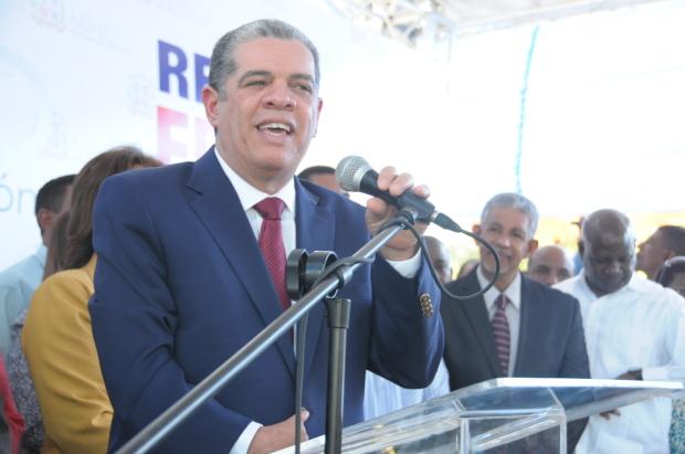Carlos Amarante Barete en el acto inaugural del corredor Duarte para estudiantes.