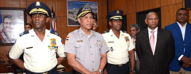 Autoridades policiales  dominicanas y haitianas.