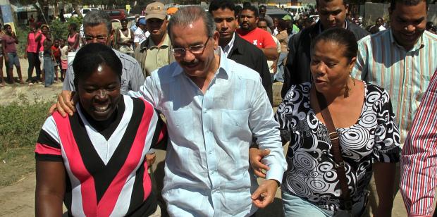 Danilo Medina y mujeres.