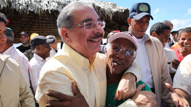 Danilo Medina felicita a los agricultores; su ejemplo inspira al Gobierno