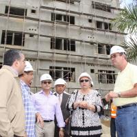 Minsitra de Salud y Director OISOE Supervisan Hosp Cabral y Baez