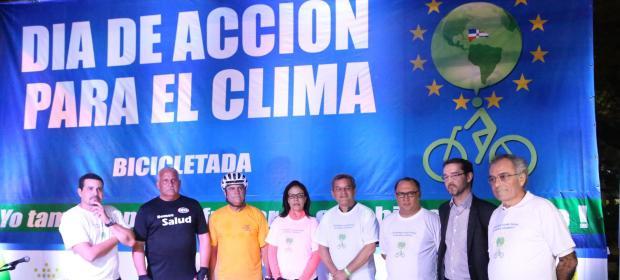 Personalidades en acto apertura de Bicicletada