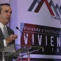 Luis Abinader participa en  evento de ACOPROVI