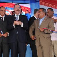 Presidente Medina entrega una estancia infantil y una escuela.