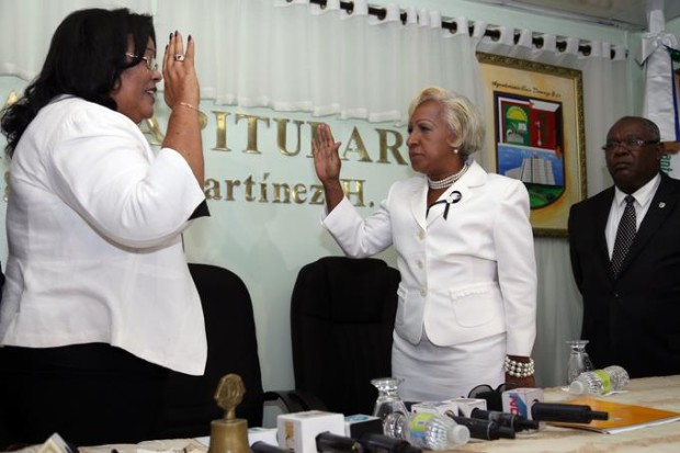 juramentan-a-jeannette-medina-luciano-como-alcaldesa-de-santo-domingo-este