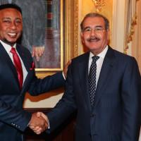 Bachatero Anthony Santos y Danilo Medina