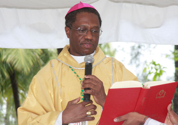 Vaticano nombra al nuncio Thaddeus Okolo en Irlanda