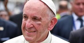 Papa Francisco sobre golpe en la cara, Estoy contento, no lo siento.